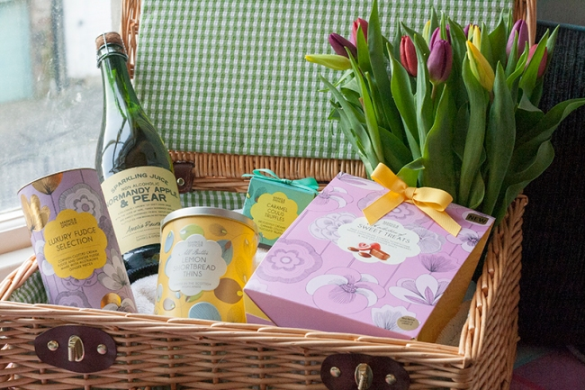 Mother Day M&S basket1