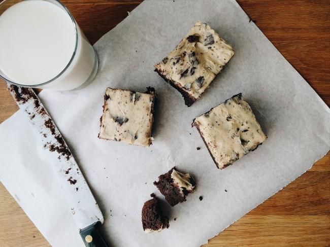 Cookie Dough Brownie Cake Uk